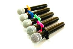 Trådlösa mikrofoner för konferens i mötesrum Det är isolaen Arkivfoton
