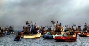 Trålare och fartyg förtöjde på Chimbote, Peru Royaltyfria Bilder