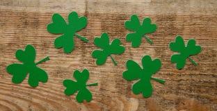Trèfles ou oxalidex petite oseille verts Photos libres de droits