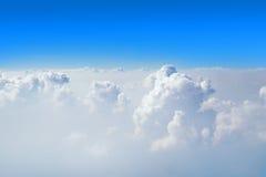 Très Nice beau ciel bleu avec le nuage sur le ciel Photos libres de droits