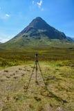 Trépied de photographie dans Glencoe, Ecosse Photographie stock libre de droits