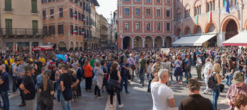 TRÉVISE, ITALIE - 13 MAI : assemblée nationale des troupes alpines de vétérans italiens photo libre de droits