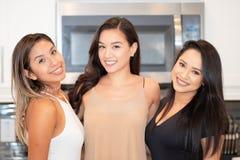 Três amigos da mamã foto de stock