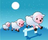 Três carneiros que saltam a cerca em estrelas e em lua da noite Fotos de Stock