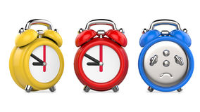 Três coloridos, despertadores vermelhos, azuis, amarelos ilustração 3d, no fundo branco Imagem de Stock