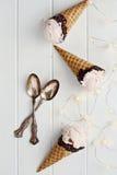 Três cones de gelado de morango Fotos de Stock Royalty Free