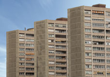 Três construções idênticas em série Céu no fundo Foto de Stock