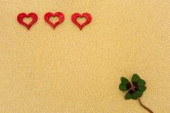 Três corações e um trevo Imagens de Stock Royalty Free