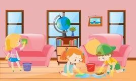 Três crianças que limpam a sala de visitas Fotos de Stock Royalty Free