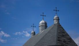 Três cruzes em uma igreja do país Foto de Stock Royalty Free