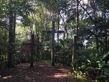 Três cruzes no Mt Bandilaan Fotos de Stock