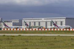 Três emirados Airbus A380 Fotos de Stock Royalty Free