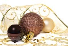 Três esferas com as festões torcidas da fita Fotografia de Stock