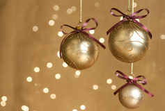 Três esferas do Natal do ouro Foto de Stock Royalty Free