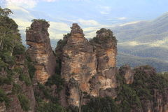 Três irmãs em montanhas azuis Foto de Stock