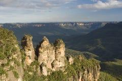 Três irmãs no parque nacional das montanhas azuis Fotos de Stock Royalty Free