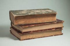 Três livros velhos foto de stock royalty free