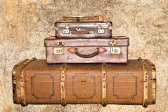 Três malas de viagem de couro velhas Fotografia de Stock Royalty Free