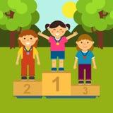 Três meninas no suporte Ilustração da cerimônia de conceder medalhas no estilo dos desenhos animados ilustração stock