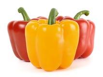 Três pimentas de sino: um amarelo e vermelho dois atrás Fotos de Stock Royalty Free