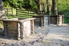 Três poços na vila Ucrânia Fotos de Stock Royalty Free
