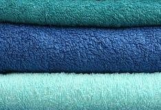 Três toalhas de banho empilhadas foto de stock