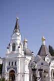 Três torres de igreja em Sochi, Rússia imagens de stock royalty free
