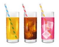 Três vidros realísticos das limonadas com palhas Imagens de Stock