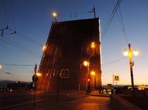 Trójca most przy nocą, St Petersburg fotografia stock