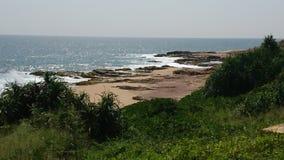 Trópicos, Sri Lanka, Hambantota, oceano, Oceano Índico, rochas Imagens de Stock Royalty Free
