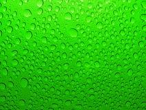 Tröpfchen des kalten Wassers, Tropfen, Blasen Stockbild
