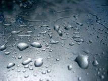 Tröpfchen des Wassers auf Glas Stockbilder