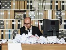 Trött affärsman arkivbilder