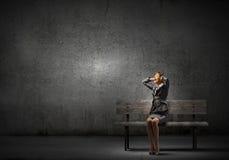 tröttad affärskvinna Arkivbild