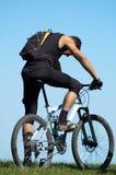 tröttad cyklist Royaltyfri Fotografi