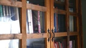 Trąbka - około Kwiecień 2018 - kamer niecki zestrzela skrzynkę książki w rozrywki centrum zbiory