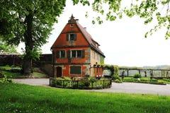 Tr?dg?rdhuset i tr?dg?rdarna av Rothenburg obder Tauber, Tyskland fotografering för bildbyråer
