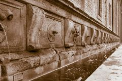 Tr?s, fontaine tr?s grande photos stock