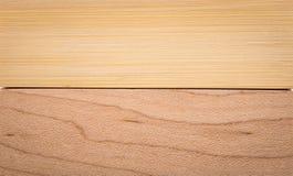 Tr? texturera bakgrund Brunt trämaterial som göras från ek- och bambumaterial royaltyfri bild