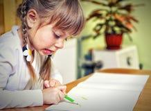 Tração da criança com pastéis coloridos Imagem de Stock Royalty Free