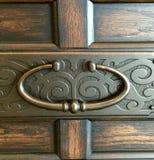 Tração de bronze na parte dianteira da gaveta Imagens de Stock Royalty Free