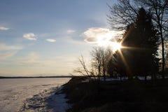Tração do gelo no rio na primavera Fotografia de Stock