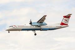 Traço 8 do bombardeiro de Austrian Airlines imagem de stock royalty free