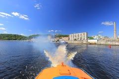 Traços da água de hidrofólio do barco da velocidade Imagens de Stock Royalty Free