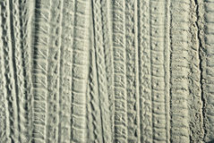 Traços dos protetores na areia fotografia de stock royalty free