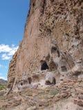 Traînée aux ruines en monument national de Bandelier photos stock