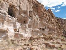 Traînée aux ruines en monument national de Bandelier photo stock
