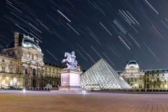 Traînée d'étoile au Louvre photos libres de droits