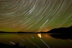 Traînée d'étoile de lac rose Photographie stock libre de droits