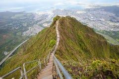 Traînée d'escaliers de haïku, Hawaï Images stock